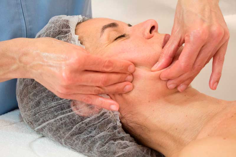 Técnica del masaje bioregenerante facial