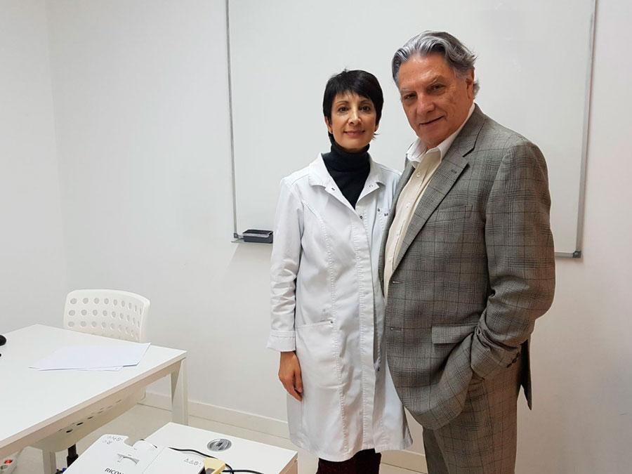 Pilar Correcher con el Doctor Mira